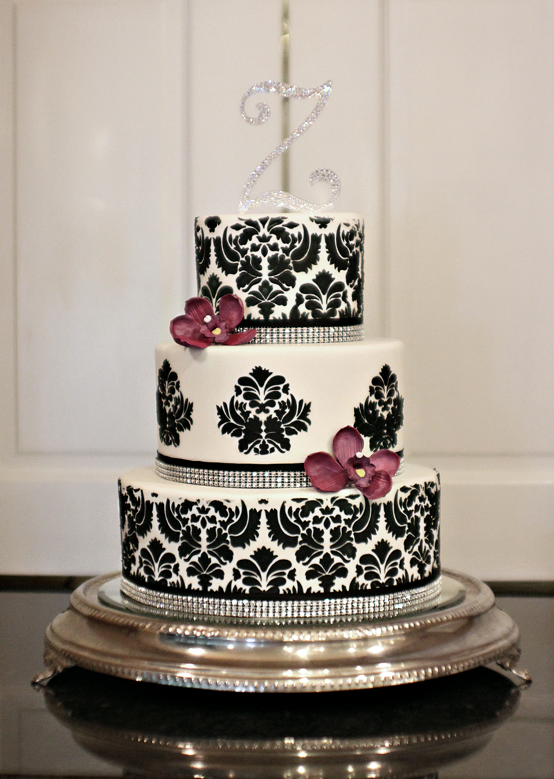 The-Couture-Cakery-Damask