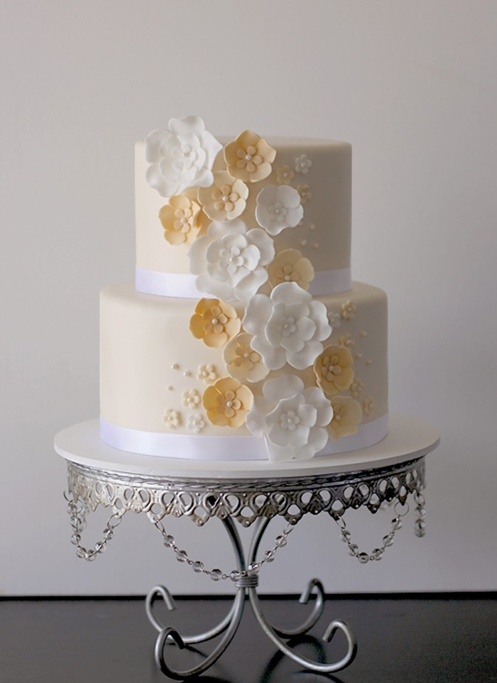 ivory white wedding cake the couture cakery. Black Bedroom Furniture Sets. Home Design Ideas