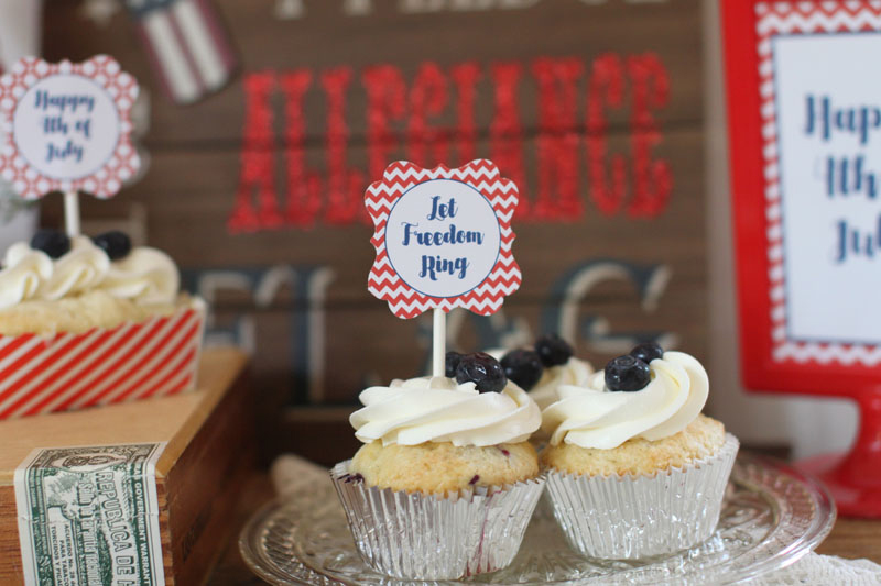 Couture-Cakery-4th-of-July-cupcake