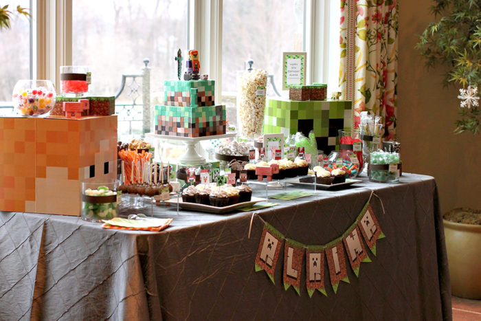 Minecraft_Couture_Cakery
