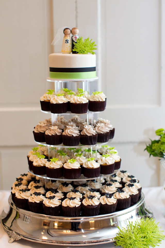 display wedding cake cupcake display gallery the couture cakery 13602